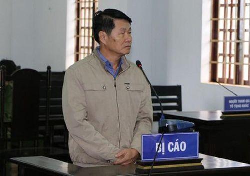 Cựu phó chủ tịch huyện lãnh án tù vì chiếm đất công