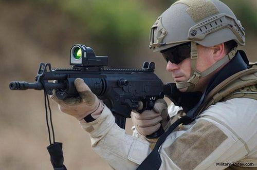 Uy lực khẩu súng trường đặc biệt của Israel mà Việt Nam đang sử dụng