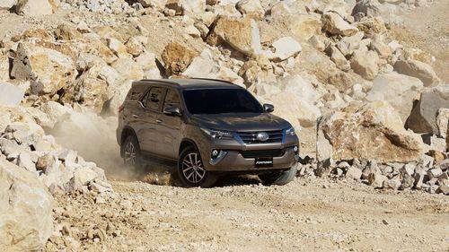 Những mẫu xe 7 chỗ giảm giá mạnh nhất giai đoạn cuối năm