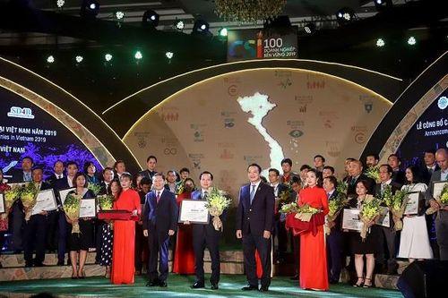 AkzoNobel tiếp tục được vinh danh trong Top 100 doanh nghiệp bền vững tại Việt Nam