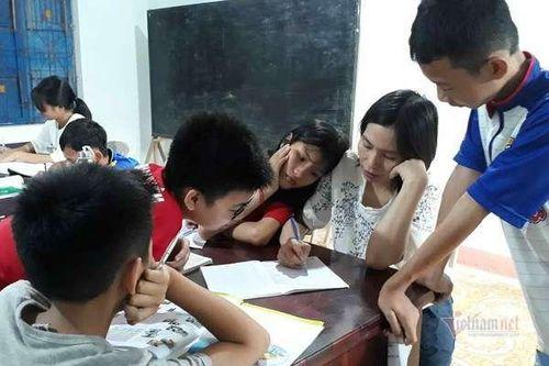 Cô giáo Quảng Trị 8 năm dạy tiếng Anh miễn phí cho học sinh