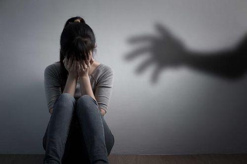 Vụ mẹ ruột rao bán trinh con gái giá 100 triệu đồng: Vị bác sĩ nha khoa đối diện hơn 20 năm tù