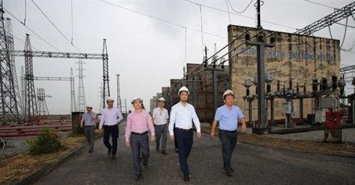 EVNNPT kiểm tra tiến độ ĐZ 500 kV Dốc Sỏi - Pleiku 2 và dự án NCS TBA 500kV Dốc Sỏi