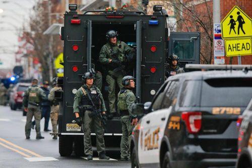 New Jersey: Cảnh sát - tội phạm đấu súng giữa phố, 6 người thiệt mạng