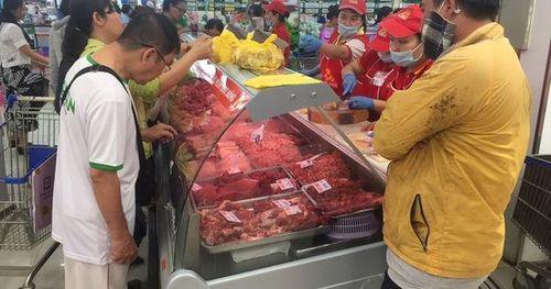 Giá thịt heo liên tục tăng cao