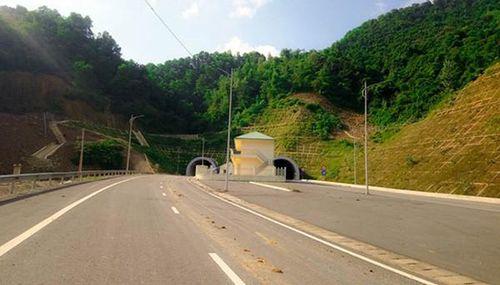 Sắp hoàn tất hầm đường bộ hiện đại nhất Việt Nam