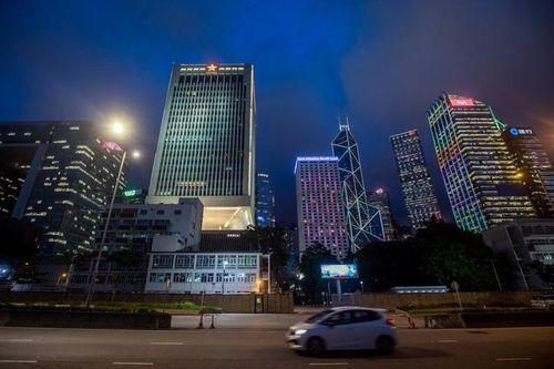 Nhiếp ảnh gia bị bắt vì để flycam rơi vào doanh trại TQ ở Hong Kong