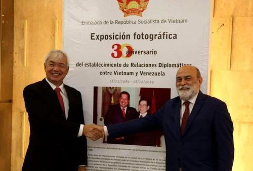 Thứ trưởng Ngoại giao Venezuela: Việt Nam là tấm gương sáng cho Venezuela noi theo