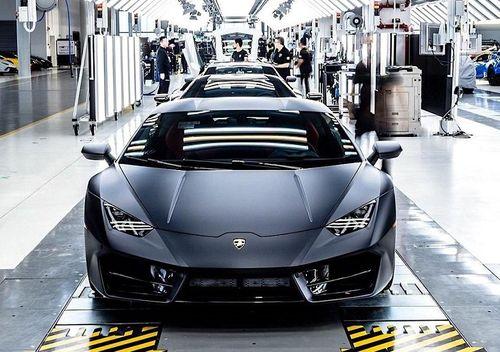 Hãng siêu xe Lamborghini từng bị mua đi bán lại nhiều lần