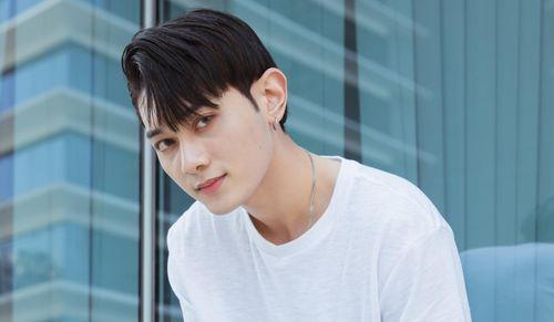 Nam ca sĩ người Việt bối rối khi được hỏi về các vụ tự tử của Kpop