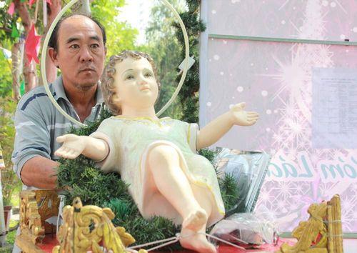 Người Sài Gòn chào đón Noel