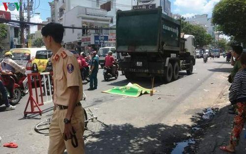 Va chạm với xe chở rác, nữ sinh viên Đà Nẵng tử vong thương tâm
