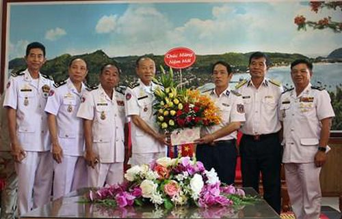 Căn cứ biển Hải quân Hoàng gia Campuchia thăm, chúc Tết Vùng Cảnh sát biển 4 và Vùng 5 Hải quân Việt Nam
