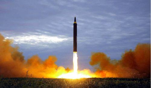 Triều Tiên đang sở hữu thứ vũ khí gì mà các chuyên gia phương Tây cho rằng còn nguy hiểm hơn bom hạt nhân?