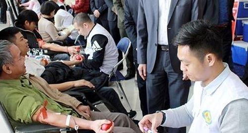 Tiếp tục chương trình 'Chủ nhật Đỏ' - hiến máu cứu người tại Bắc Giang