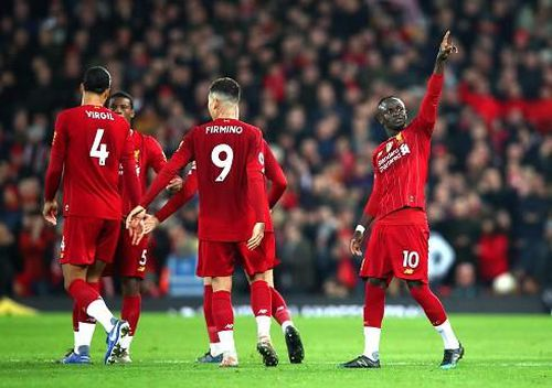 Thắng Wolves nhờ VAR, Liverpool tiếp tục thống trị Premier League