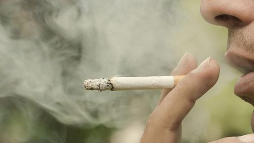 Mỹ chính thức tăng độ tuổi mua thuốc lá lên 21 tuổi