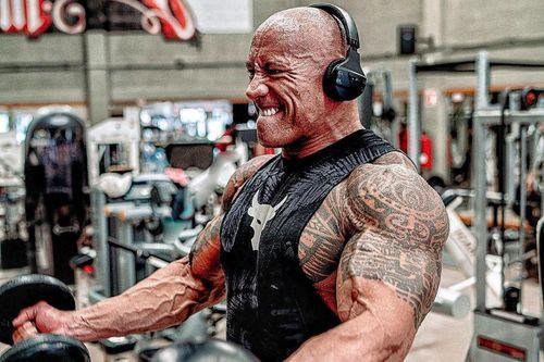 The Rock khoe ảnh luyện tập cơ bắp cho vai siêu anh hùng Black Adam