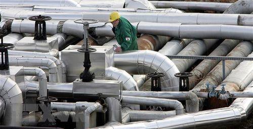 Nga khôi phục cung cấp dầu thô cho các nhà máy lọc dầu Belarus
