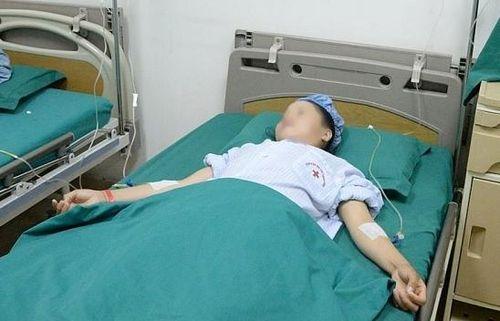 Cô gái dân tộc Thái bị ung thư tuyến giáp di căn với nhiều ổ cứng hiếm gặp