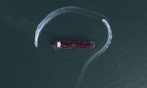 Giá dầu tăng mạnh trong bối cảnh thế giới lo ngại Iran sẽ trả đũa Mỹ