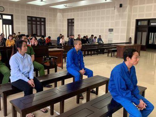 Ông 'trùm' ma túy Tam Mao chiêu nạp người tình hơn chục tuổi vì ham đập đá