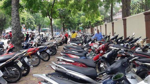 Hà Nội: Cận Tết, tăng lấn chiếm vỉa hè
