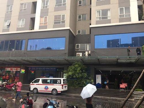 Điều tra nguyên nhân bé gái rơi từ tầng 25 chung cư tử vong