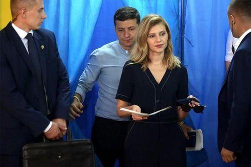 TT Ukraine Zelensky sa thải vợ cựu lãnh đạo Poroshenko, thay thế bằng vợ mình