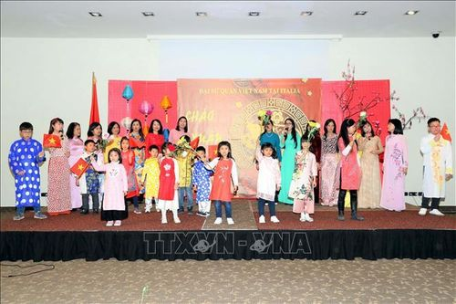 Cộng đồng người Việt Nam tại Italy, Myanmar và Bangladesh vui đón Xuân Canh Tý