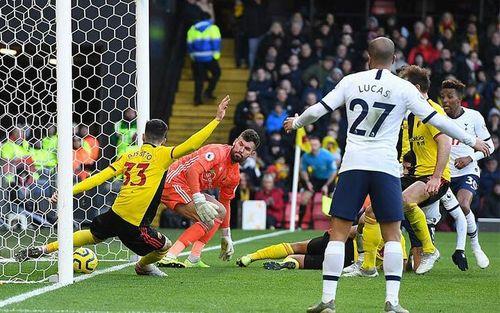 Tottenham không thắng trận thứ tư liên tiếp