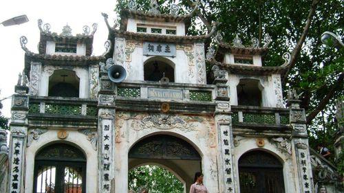 Vãn cảnh chùa Tết: Đền Bà Chúa Kho cầu gì? Văn khấn để cả năm rủng rỉnh tiền tài