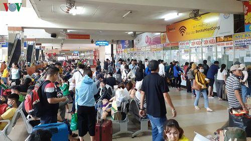 Bến xe hợp pháp tại TPHCM dư nhiều vé, bến xe chui tấp nập khách