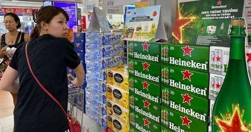 Financial Times: Cổ phiếu Heineken sụt giảm mạnh trước thông tin doanh số bán bia tại Việt Nam giảm 25%
