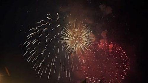TP HCM rực sáng pháo hoa chào đón năm mới