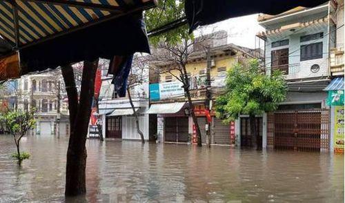Nam Định ngập lụt, phố vắng hoe ngày Tết