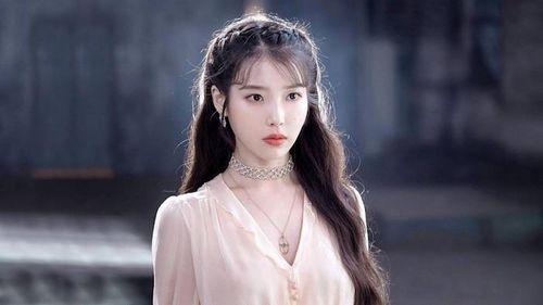 BXH ngôi sao được yêu thích nhất dịp Tết Nguyên đán: Gong Yoo đứng đầu, loạt sao đình đám theo sau!