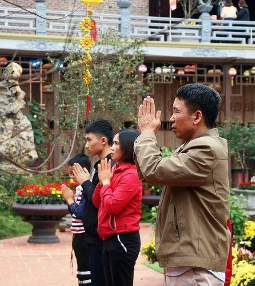 Chùa Việt ngày Tết : Tết bình yên nơi cửa thiền