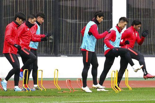 Nghĩa cử đẹp của làng bóng đá Trung Quốc hướng về Vũ Hán