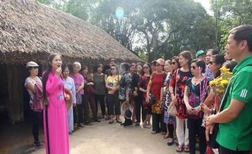 Làm gì để phát triển du lịch văn hóa ở Nghệ An?