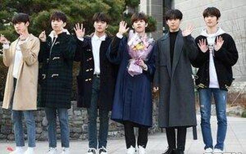 Cha Jun Ho (X1) đẹp áp đảo TTS 'Produce X 101' tại lễ tốt nghiệp của Kim Dong Yoon