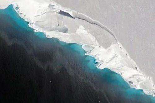 Tìm thấy vùng nước ấm dưới sông băng tại Nam Cực