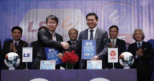 V-League có nhà tài trợ mới đến từ quê hương ông Park Hang Seo
