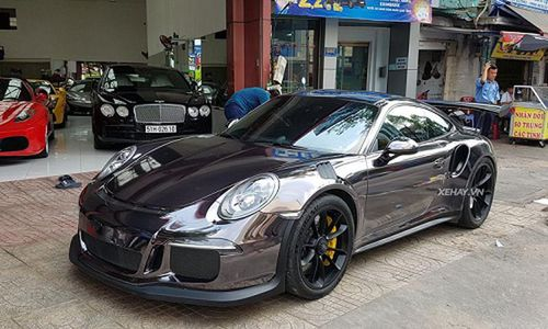 Siêu xe Porsche 911 GT3 RS hơn 10 tỷ trên phố Sài Gòn