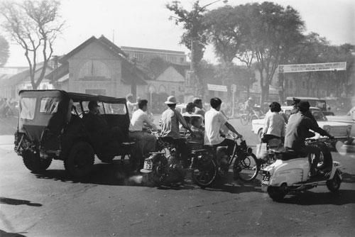 Sài Gòn năm 1966 đẹp 'mê mẩn' trong ảnh của Mikey Walters