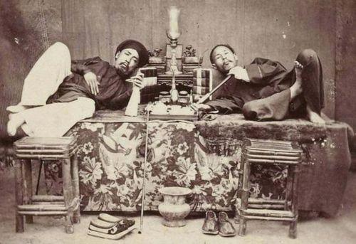 Vua Minh Mạng vất vả cấm tệ nạn buôn bán, tàng trữ, nghiện thuốc phiện