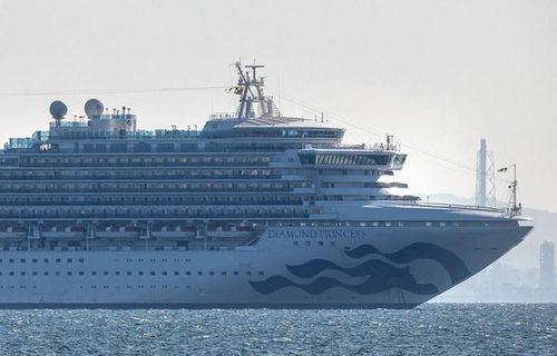 Dừng 40 tàu đưa khách từ tàu Diamond Princess tham quan vịnh Hạ Long