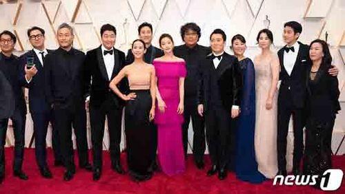 Kí Sinh Trùng chiến thắng hạng mục Kịch bản gốc xuất sắc nhất tại lễ trao giải Oscar 2020