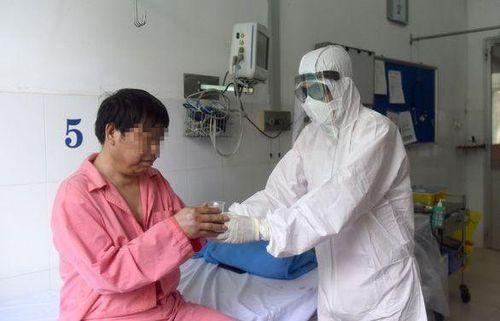 Bệnh nhân Trung Quốc thứ hai nhiễm virus corona được xuất viện trong chiều nay, Việt Nam đã chữa khỏi 7/15 ca