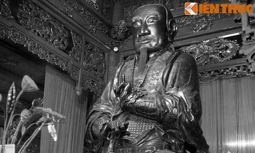 Chuyện ly kỳ thót tim về pho tượng 'đồng đen' khổng lồ ở Hà Nội
